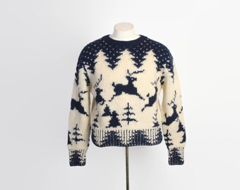 Vintage 80s WOOLRICH Xmas SWEATER /  1980s Christmas Holiday Reindeer Unisex L