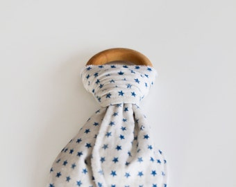 Natural Wood Teething Ring | White with Blue Star