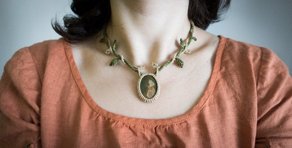 Small elven tree necklace