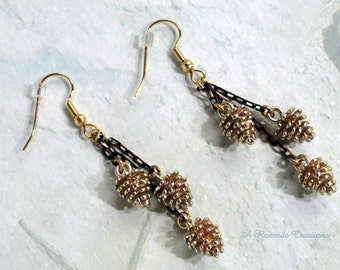 Pine Cone Earrings Fashion Jewelry Gold Chain Earrings Nature Earrings Woodland Earrings Autumn Jewelry Women's Gift for Her Fall Jewelry