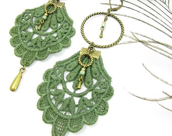"Earrings ""Gipsy"" brass, kaki lace and cristal beads"