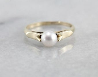 Timeless White Pearl Solitaire Ring CH9KEQ-N