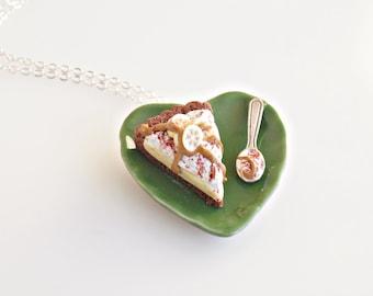 Banoffee Tart Necklace, Banoffee Jewelry, English Dessert, Mini Food Necklace, Polymer Clay Food, Foodie gift, Kawaii Jewelry