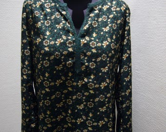 Green Polyester Collarless Blouse.