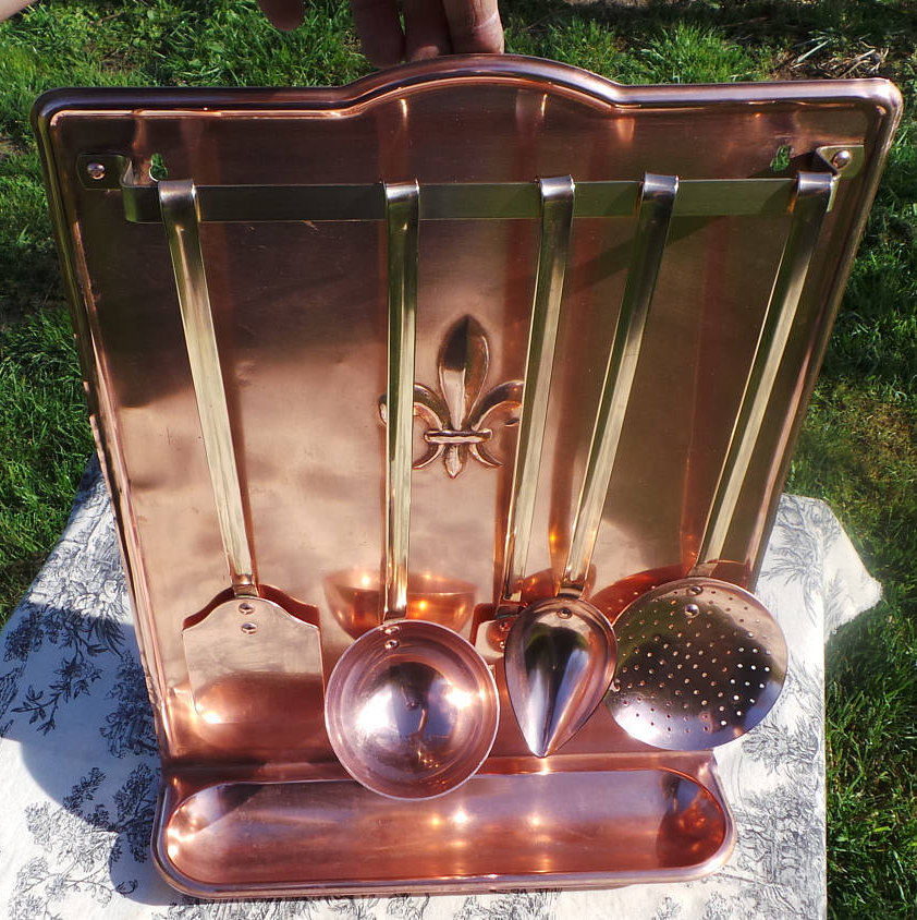 Quality Vintage French Copper And Brass Heavy Set Of Copper Kitchen Utensils Hanging Rail Drip