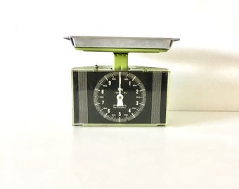 Retro scales, Vintage scales, 1960s German Scales, Vintage Stube scales, yellow Stube scales