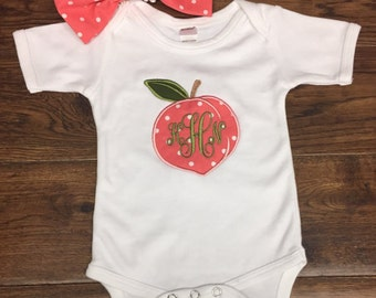 Sweet Peach applique onesie with matching Bow, Personalized baby clothes, Girly onesie, Sweet Southern Peach, Hippie baby clothes1