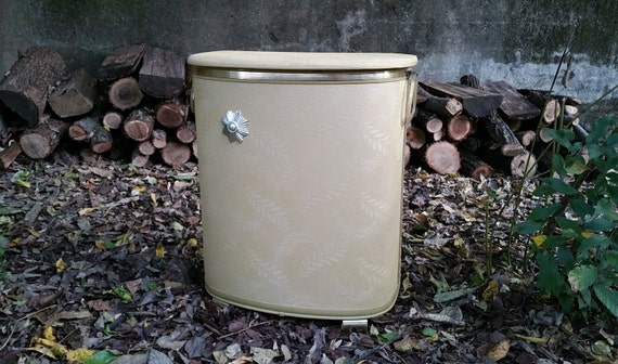 Pearl Wick Quilted Gold Vinyl Clothes Hamper By
