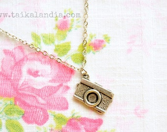 Camera Necklace, Camera Earrings, Photographer Gift, Photographer Earrings, Photographer Necklace, Camera Gift, Camera Charm, Camera Pendant