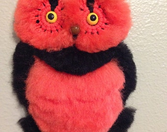 "Halloween ""baby"" owl wall decor, macrame"