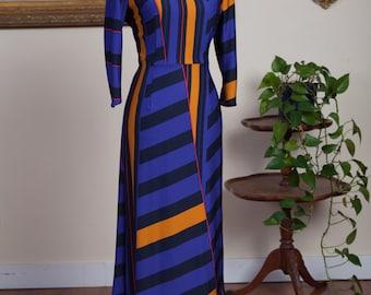 Graphic Print Pencil Dress with Jewel Kneckline