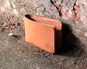 Minimalist Leather Bifold Wallet / Hand-stitched Leather billfold Wallet / Handcrafted in Portland, Oregon.