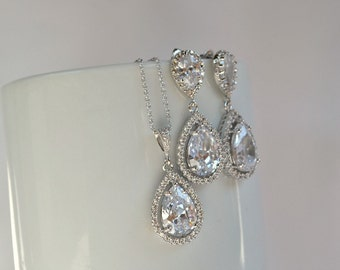 Crystal teardrop earrings and necklace, bridesmaid jewelry set, luxury bridal jewelry set