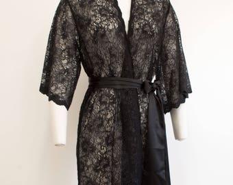 Femme Noir Scalloped Floral Lace Boudoir Kimono Robe Black S M