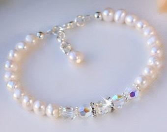 Fresh Water Pearls and Swarovski Crystal Bracelet/Bridal/Bridesmaids/Flower Girl/Mothers Gifts