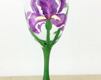 Flower Wine glasses, Painted wine Glasses, Wine glasses, Gift for her, Gift for Mom, Wine lover gifts, Custom glasses, Wine Gifts, Gifts