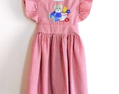 80s Seersucker Dress, Apron Dress, Girls Dress, Checkered, Red, White, Applique, Teddy Bear, Samara, Girls Size 5, Kids Vintage Clothing