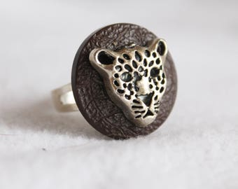 Adjustable Ring, Silver Cheetah, Brown Button