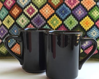 Set of 2 Restaurantware Mugs Pink Black and White Durable Diner China Mugs Homer Laughlin Mugs Vintage Dishes