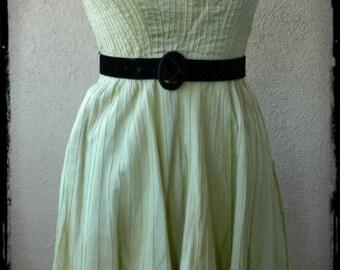 Free Shipping, Vintage 1950's Garden Dress, Kiwi Green, Pintuckes