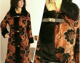 Vintage 60s Black Flocked Faux Fur Carpet Psychedelic Floral Mod Boho Coat / UK 10 12 / EU 38 40