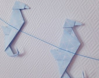 Garland / banner of origami-shaped hippocampus - Decoration paper