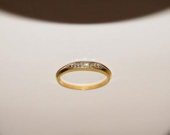 14k Yellow Gold Stamped 3 Small Diamond Ring Size 6.