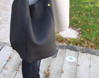 the black square bucket bag