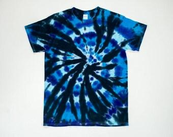 Men's Medium Black and Blue Swirl Tie Dye T-Shirt