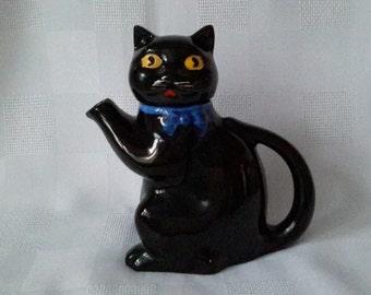 Wood & Sons, Black Cat Teapot ''Pussyfoot'' Burslem, England, c.1930