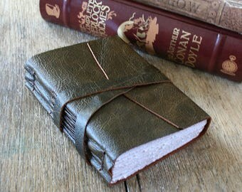 """Leather Journal . """"Fill your paper with the breathings of your heart."""" -William Wordsworth . dark moss green . handmade handbound (320pgs)"""