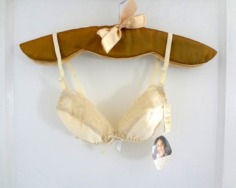 Vintage 1970s Padded Lace Bra - NOS Olga lingerie for petites or teens