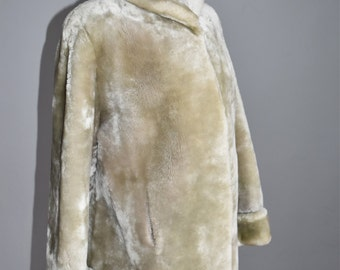 1950s Silver Mouton Coat Wide Cuff Light Warm Gray Fur Floral Lining Women's Clothing