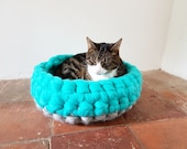 Grey Cat Bed Cat Cave Bedding Cat House basket with free Ball 100% wool in grey and spearmint