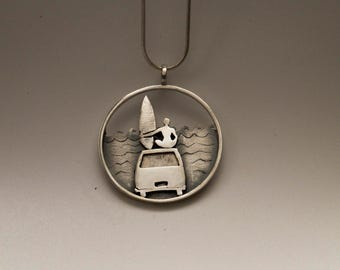 Pendant surf and surfer van. Waiting for the wave. Surfer. Jewelry surfer girl, silver. Jewelry of the sea. Surf board