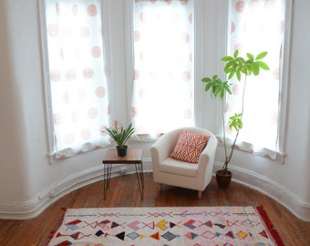 Moroccan Kilim Rug - Colorful Boucherouite Rag Carpet - Eco-Friendly Home Design