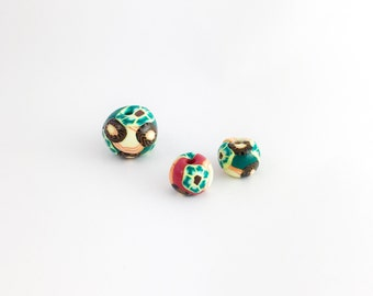 3 Green Red Christmas Coloured Beads, Round Small Beads, Jewellery Maker Gift, Beading Craft Mixed Beads, Bright Colours Spotty Bead