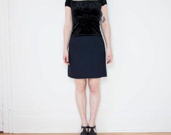 90s Navy High Waist Mini-Skirt with Side Slits  / Size Medium  / 8