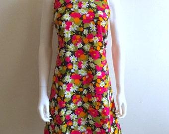 1960s Dress / Daisies / Cotton / M