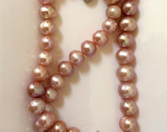 "Sterling Silver and Fresh Water Pearl Necklace ""Dignity"""