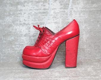 Vtg 70s Red Leather Platform Lace Up Mod Shoes