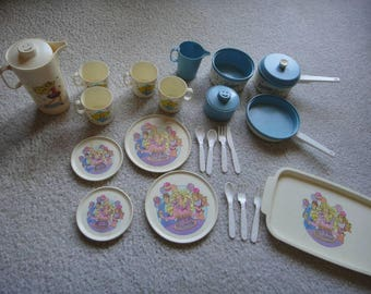 Vintage BARBIE play pretend plastic dishes kids pretend dishes