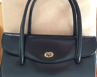 Vintage 1940s handbag purse golden clasp 9in by 5 by 3 Smooth Black calf leather Excellent condition For women Accessory WWII re enactment