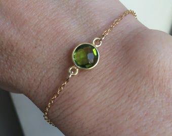 18K Gold Peridot bracelet tiny green bracelet small gold fill bracelet August Birthstone jewellery minimalistic dainty layering Jewelry gift