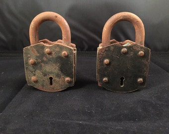 Vintage large heavy duty padlock with original patina