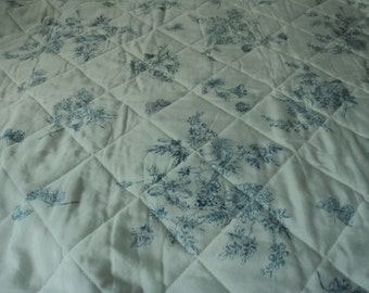 French vintage bedspread/ throwover (03865)
