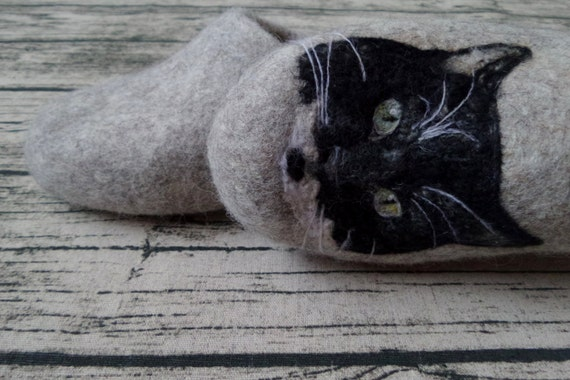 Custom pet portrait Custom cat portrait from pictures Felted Wool slippers Shoes Portrait painting Special Pet owner gift