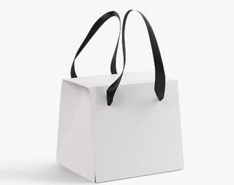 3 x  Gift Boxes / Plain white Boxes / Modern Boxes