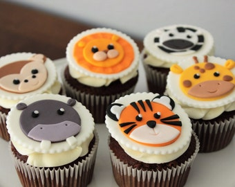 12 Safari animals edible fondant cupcake toppers. Baby shower party decorations. Birthday party supplies. 100% edible and handmade.