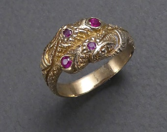 10 K serpent ring with rubies 9.5